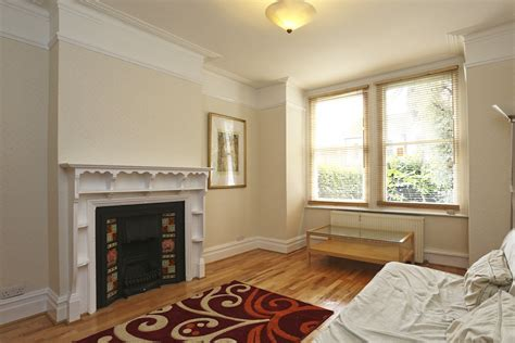 room to let in ealing portico 3 bedroom house recently let in ealing birkbeck road w5 163 415pw