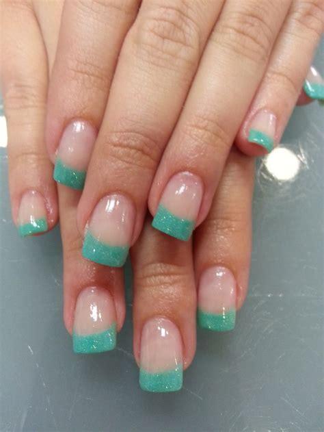 imagenes de uñas acrilicas color verde menta u 241 as acr 237 licas decoradas con manicura francesa en tono