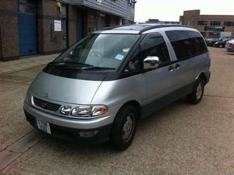 Used Toyota For Sale Uk Used Toyota Estima 2000 Diesel 2 2 Silver For Sale In