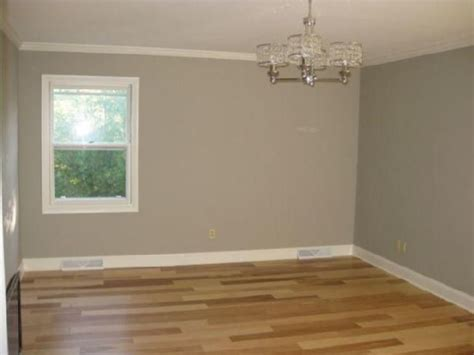 taupe capet with ivory walls pieces are tavern taupe with taupe bg taupe sherwin williams