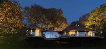 Treehouse Social Club - chewton glen tree house hampshire mojomums