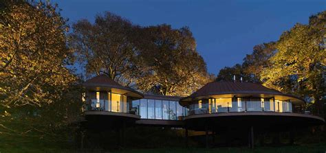 houses with in suites chewton glen tree house hshire mojomums