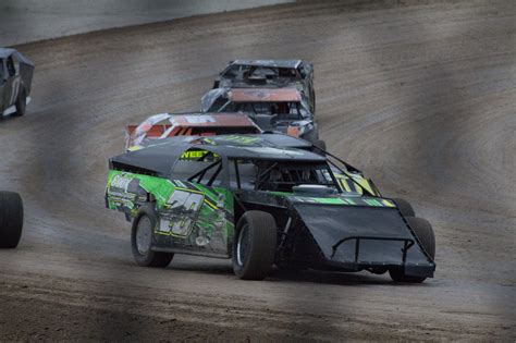 tri city motor speedway do it yourselfer has tri city motor speedway revved up for