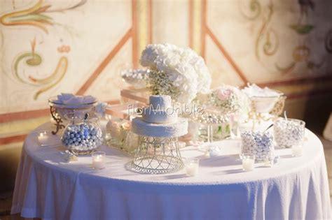 addobbo tavolo per confettata bracciali coroncine accessori floreali per matrimonio