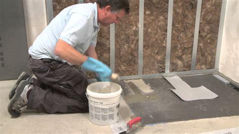installer un bac a plat poser un receveur de sur plancher bois installer