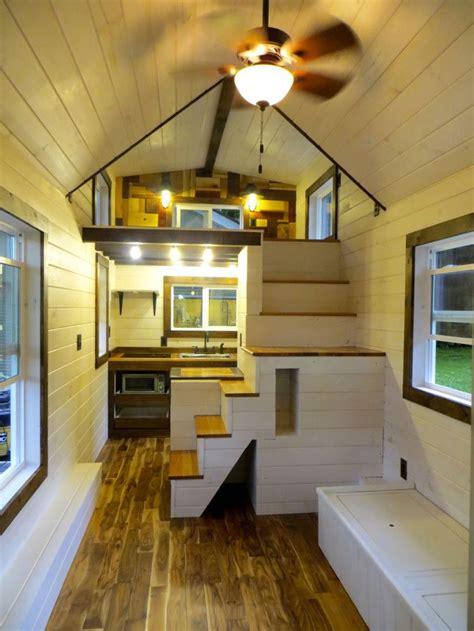 robins nest interior brevard tiny house companythis space   cute   die  feet