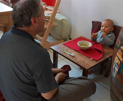 montessori weaning food and independence with