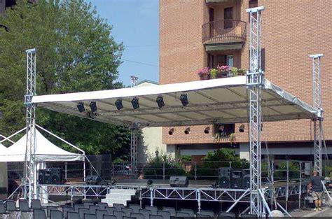 pedane palco noleggio palchi modulari pedane coperture noleggio