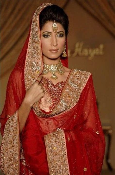 How To Drape Saree In Different Style Dupatta Draping Indian Wedding Apparel Pinterest