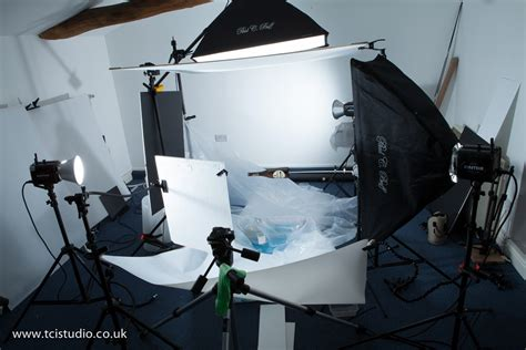 how to set up lights advertising product photography tutorial liquid splash