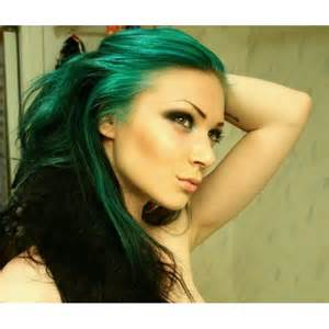 emerald green hair color