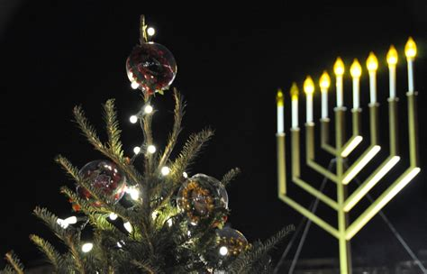 2015 christmas tree menorah lightings and holiday
