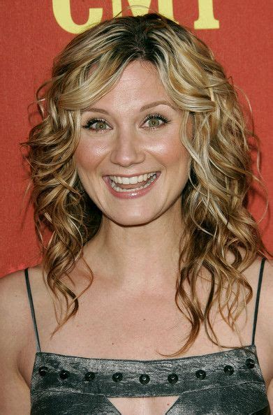 cmt hairstyles jennifer nettles in 2007 cmt music awards arrivals