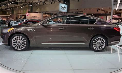 Kia K900 Awd 2015 Kia K900 V 8 Overview Automotive