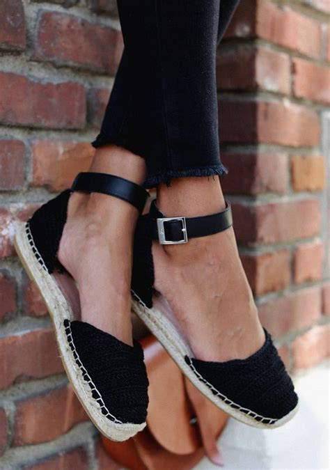 fashionable closed toe shoes  comfort  style