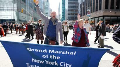 Website Of The Week Triciasawyertv by Hobbit Graham Mctavish Leads Tartan Week March In New
