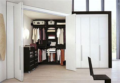 cabine armadio angolo oltre 25 fantastiche idee su armadio angolare su
