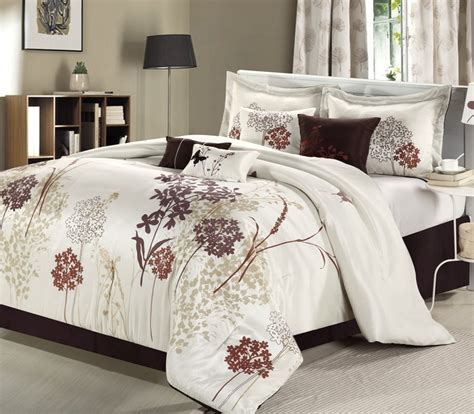 Clearance Bedding Sets Bedding Sets On Clearance Clearance 8pc Luxury Bedding Set Leslie Silver Pewter Blowoutbedding