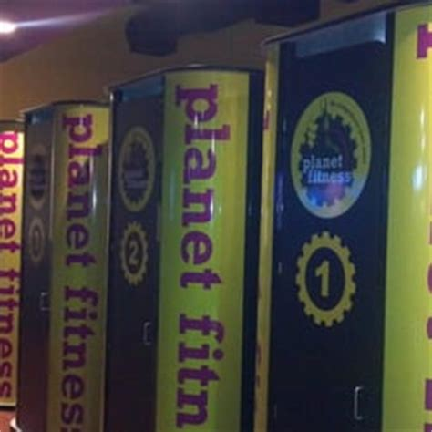 planet fitness red light planet fitness north kingstown gym 40 frenchtown rd