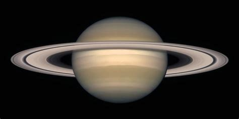 pictures on saturn space images a change of seasons on saturn october 1997