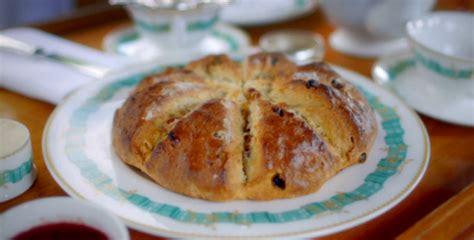 paul hollywood sultana  pecan scone rings recipe