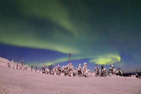 Kakakslauttanen Artic Resort Mba Student Survey by 11 Reasons To Go In Search Of The Northern Lights Easyvoyage