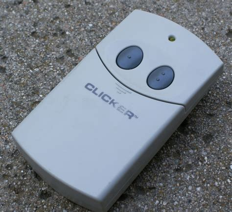 Clicker Garage Door Openers by Clicker Chamberlain Universal Garage Door Opener Remote