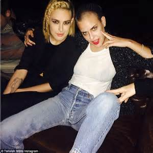 rumer willis reveals shaved hairstyle days after sister tallulah rumer willis and sisters www pixshark com images