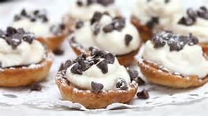Mini cannoli cream pastry cups recipe from pillsbury com