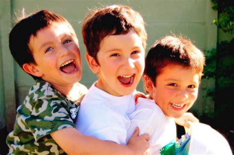 imagenes felices los tres 191 qu 233 es la felicidad en los ni 241 os ni 241 os felices