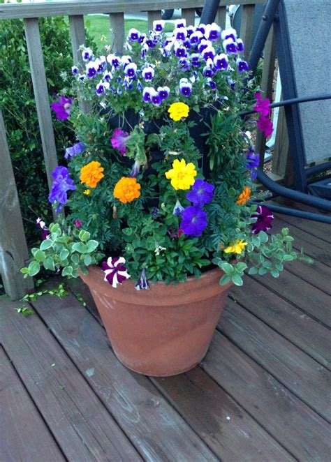 flower tower planter 17 best images about flower towers on gardens planters and flower tower