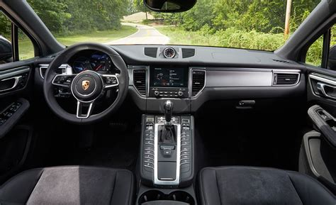 2017 porsche macan turbo interior 2017 porsche macan cars exclusive videos and photos updates