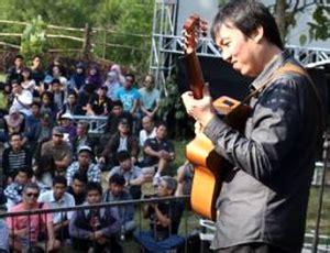 belajar gitar ritem untuk pemula belajar gitar akustik menjadi gitaris pengiring belajar