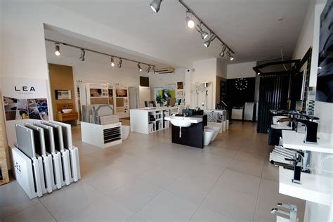 four rooms show showroom abate ceramiche