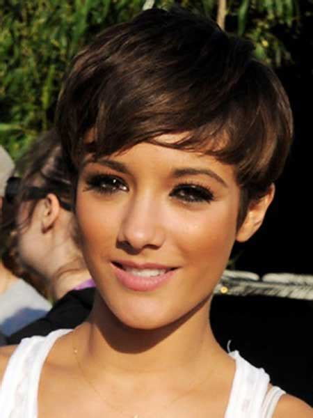 pixie cut big ears behind the ears hairstyles for short hair