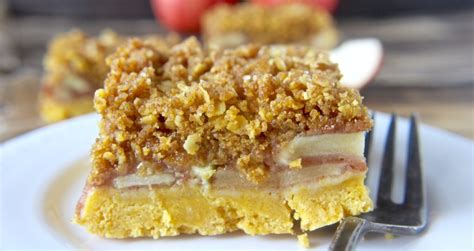 Apple Bars With Oatmeal Crumb Topping by Coconut Streusel
