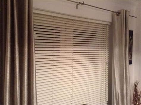 Patio Door Venetian Blinds Leo Fits Curtain Fitter In Bredbury Stockport Uk