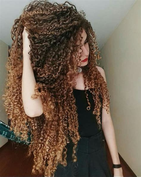 how to trim long curly curly hair yourself best 25 long curly hair ideas on pinterest natural