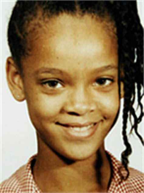 rihanna eye color rihanna original eye color 1 picture to pin on