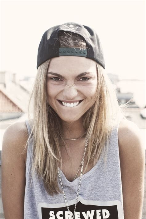 girl hairstyles with snapbacks snapbacks 7 streetstyle ways to rock a hat and look fab