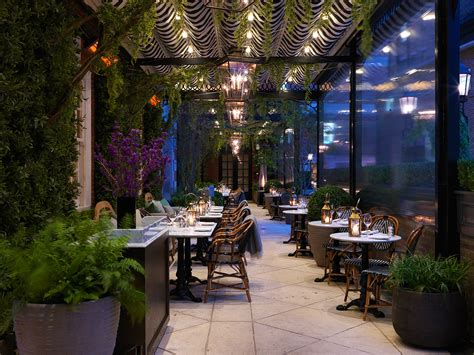outdoor cuisine dalloway terrace at the bloomsbury