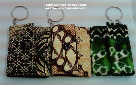 Souvenir Dompet Gantungan Kunci gantungan kunci dompet batik souvenir pernikahan