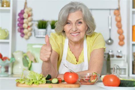 alimentazione anziani alimentazione sana