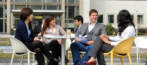 Mba Studen by Mba Clubs Expand Your Network Esmt Berlin