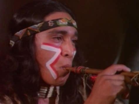 josiane balasko quel age les indiens dans les s 233 ries tv bd films 1 9a
