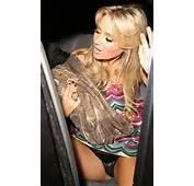 Sexy Celebrity Upskirts 24 Photos