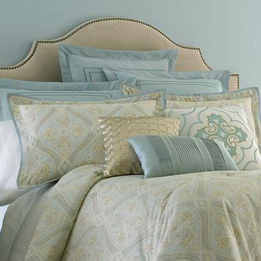 cindy crawford comforter cindy crawford style 174 coronado paisley comforter set
