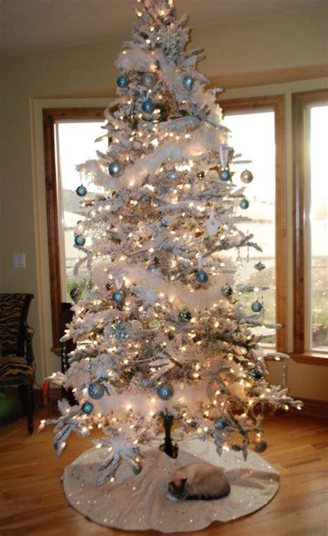 white christmas tree decorating ideas images  pinterest christmas trees merry