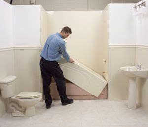 bathtub liner installation 25 best ideas about bathtub liners on pinterest