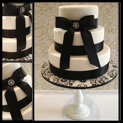 Wedding Cake Black And White Simple by Wonderful World Of Cupcakes Black And White Wedding Cake